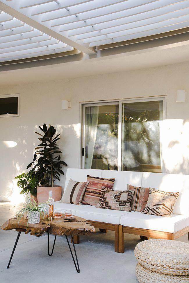 Une terrasse déco couverte d\'une pergola. Qu\'il fait bon se ...