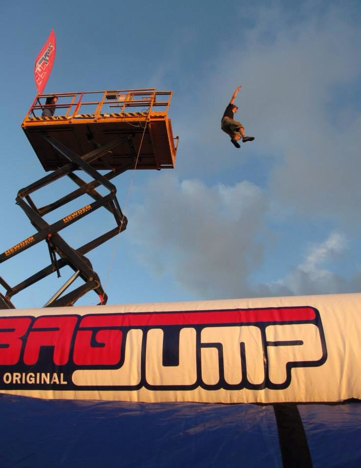 Bagjump UK @ Leo polloza