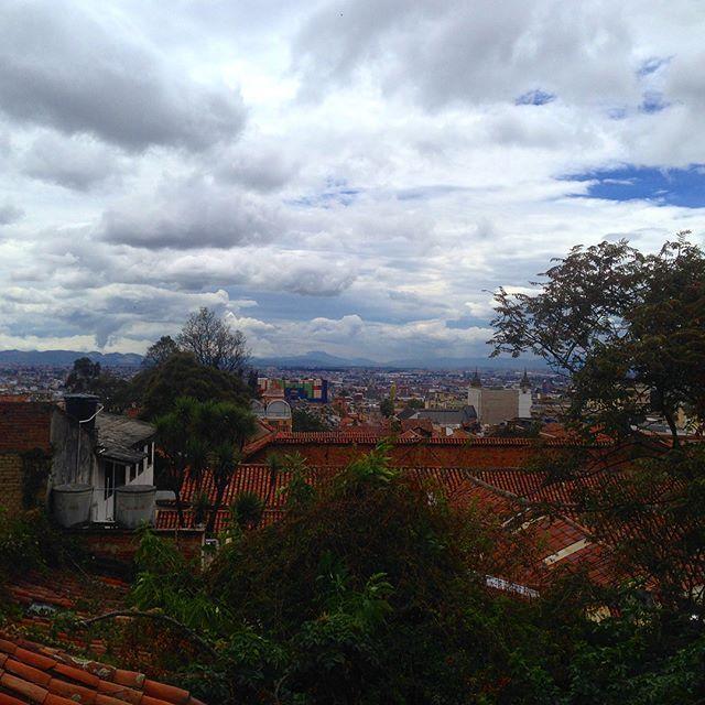 Hermosa Bogotá ¡Qué esperas para venir! Visita: www.encontrastela... #EncontrasteLaCandelaria #Bogotá #Colombia #Candelaria