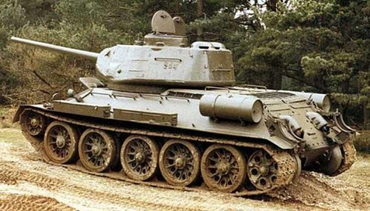 Top 10 Of The Worlds Best Tanks - T-34  Country of origin: USSR Speed (max.): 55 km / h Reservation: 65 mm Main gun: 76.2 mm