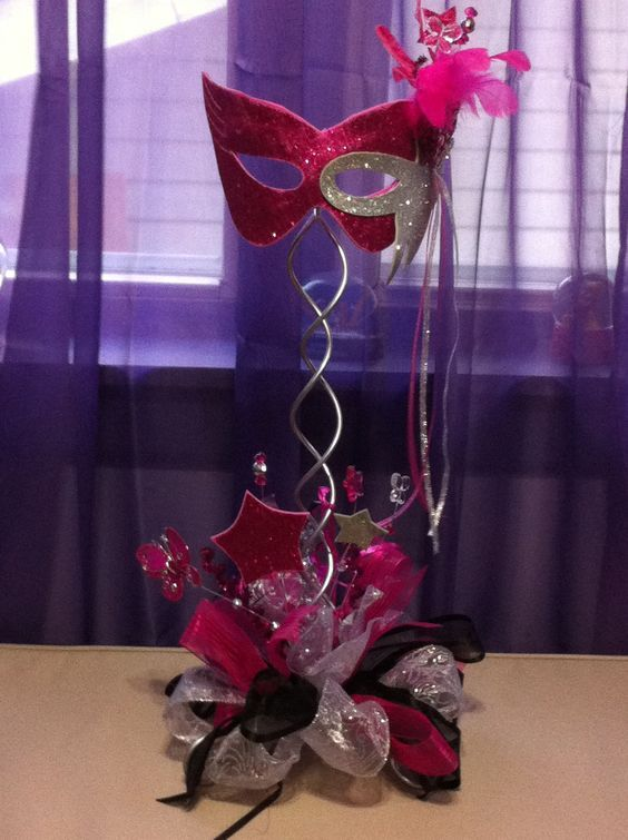 Mask center piece Fuchsia & Black: