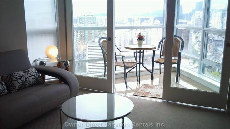 Vancouver Flats for Rent - Fabulous Downtown Location with Easy Access to Transit and Attractions