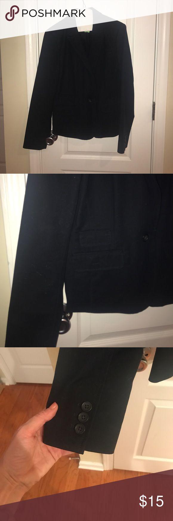 Banana Republic women's navy blazer Banana Republic women's blazer - in great condition - looks great with khaki or navy pants/skirts Banana Republic Jackets & Coats Blazers