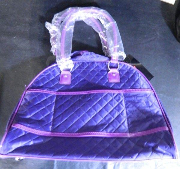 shopgoodwill.com - #34959776 - New Guess? Metro Retro Violet Travel Handbag - 11/30/2016 7:30:00 PM