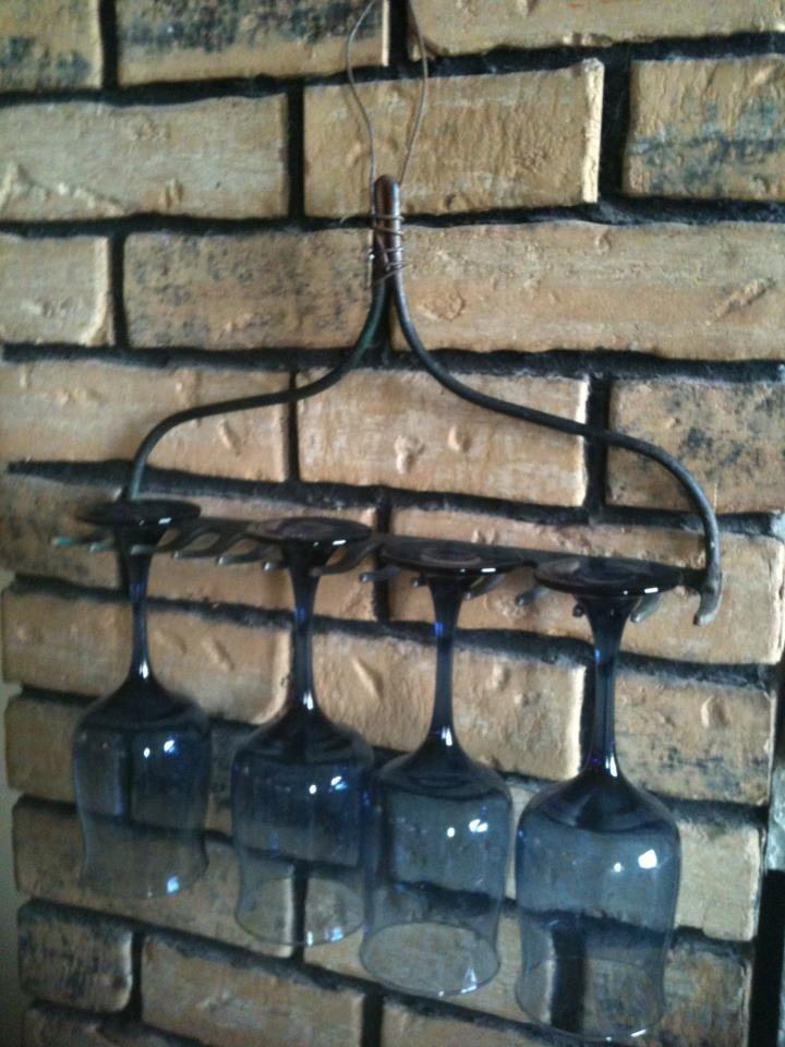 old rake wine rack: Decor Ideas, Crafts Ideas, Wine Glasses Holders, Wine Glasses Racks, Racks Wine, Cool Ideas, Racks Ideas, Wine Racks How, Rake Wine Racks