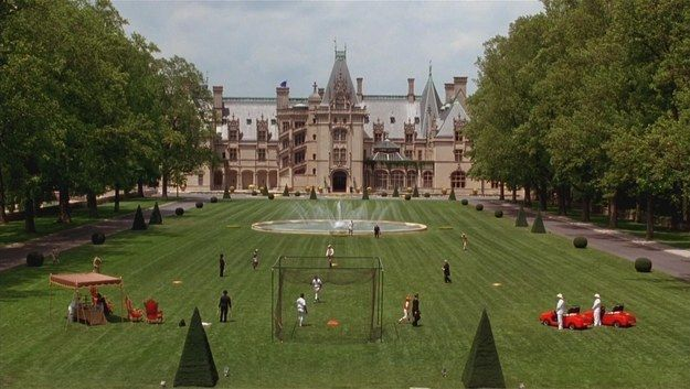 "For real, look at that goddamn beautiful estate. | ""Richie Rich"" Was The Best Film Of The '90s And Goals"