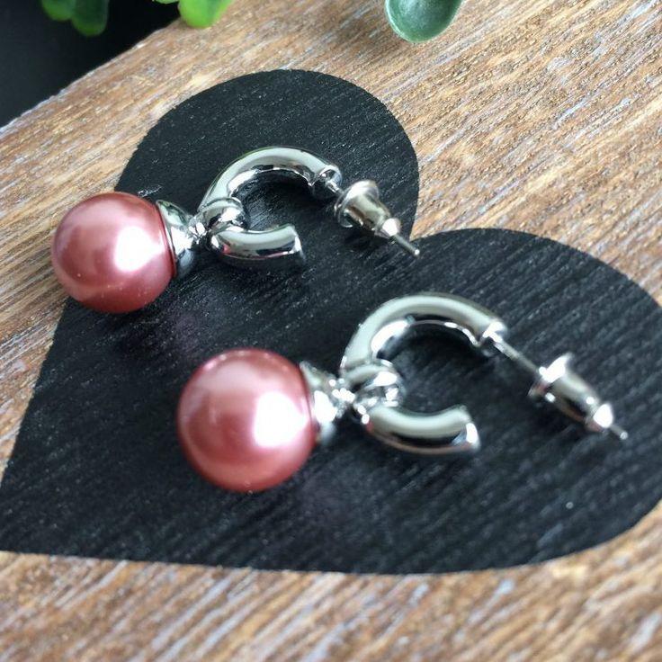zilverkleurige kleine oorbellen met roze parel - ringetjes - element met licht roze parel - 2,5 cm lang - parel 1x1 cm - 4leafs4joy - lovely - valentijnsdag