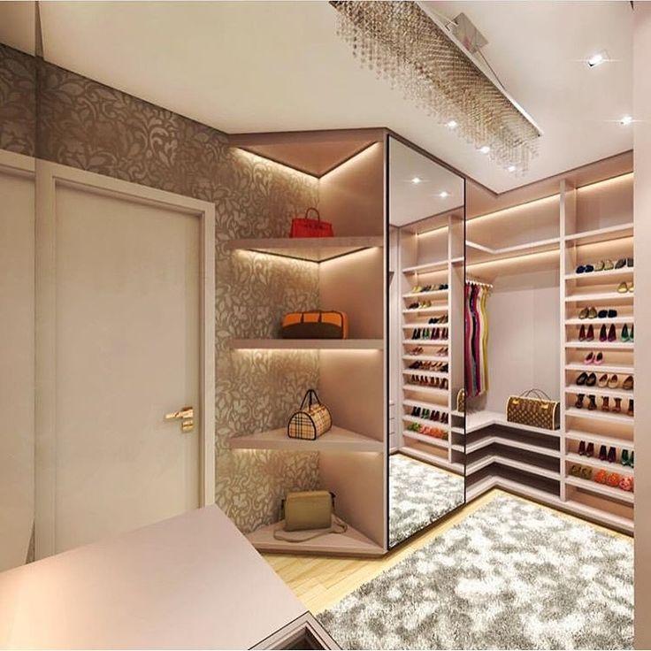 Ah, eu moraria nesse closet autoria de Isa Junqueira Arquitetura   @decoreinteriores