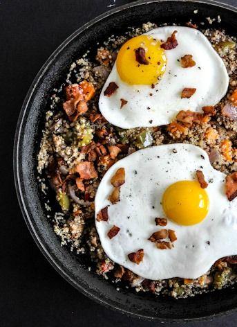 Quinoa Breakfast Skillet I howsweeteats.com