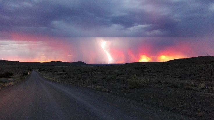 Thunderstorms Between Beaufort-West and Merweville