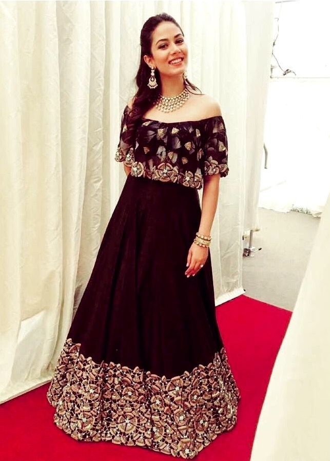 Mira Rajput looking beautiful in Arpita Mehta.