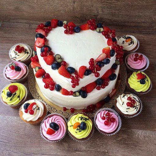 """Торты и десерты на заказ в Сочи """"Модная пекарня"""""""