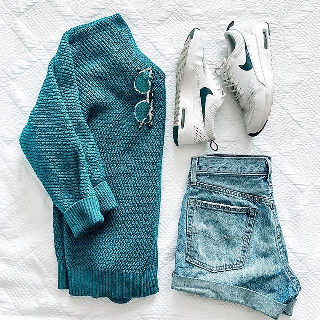 casual weekend wear, nike sneakers, oversized sweater, denim shorts LEVI'S