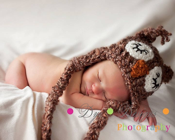 Sleepy brown owl crochet hat