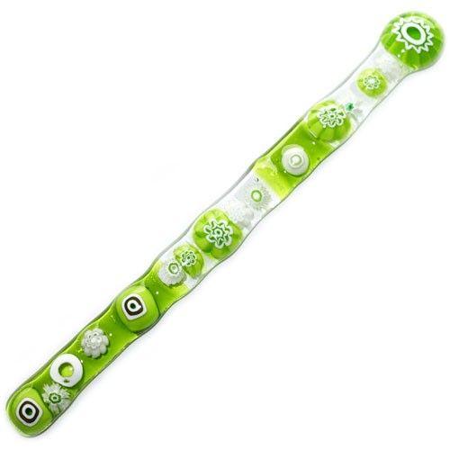 Helder groen glazen roerstaafje van groen en wit glas met millefiori figuren! Uniek ontwerp uit eigen atelier.