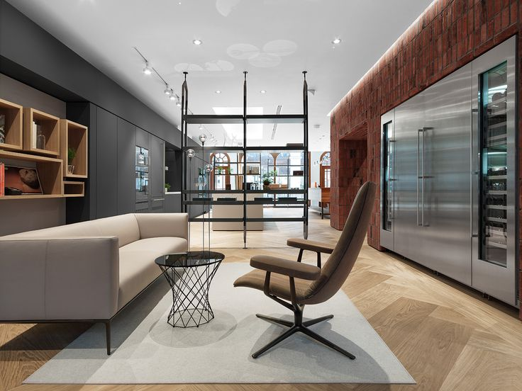 The new London flagship showroom is one of three being opened in this, Gaggenau's 333rd anniversary year. The two storey space within a Grade II listed property on Wigmore Street pays homage to the capital using the local ubiquitous red brick style of the London Underground tiling.
