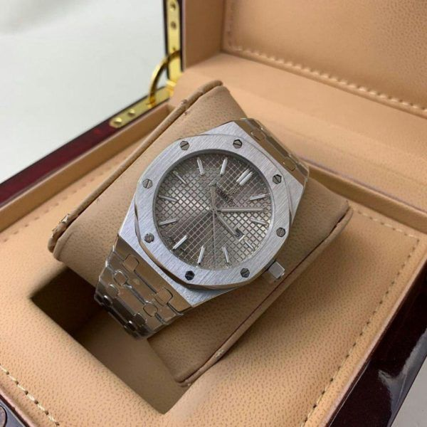ساعات ادمر بياجيه رجالي درجه اولى مع علبه و كرت الماركه هدايا هنوف Kors Watches Michael Kors Watch Michael Kors