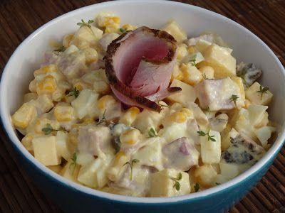 Monia miesza i gotuje: Sałatka chrzanowa z domową szynką wędzoną i jajkie...