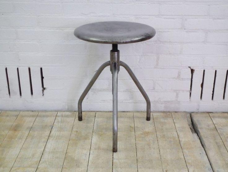 industriele ziekenhuis kuk draaikruk van geborsteld staal Hal 72 industriele meubels, lampen en woonaccessoires 3 http://www.hal72.nl/product/ziekenhuis-kruk/