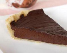Tarte au chocolat sans crème : http://www.fourchette-et-bikini.fr/recettes/recettes-minceur/tarte-au-chocolat-sans-creme.html
