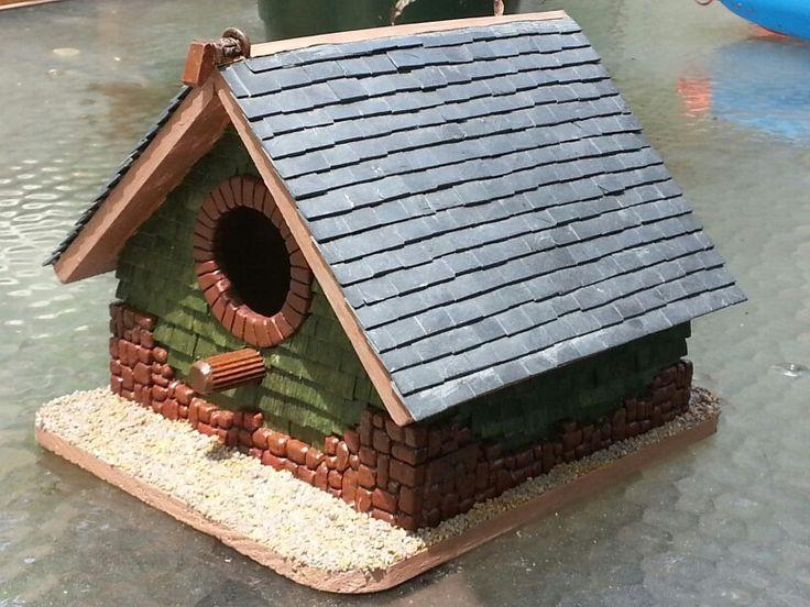 Best Slate And Cedar Shingle Birdhouse Bird Houses Bird 400 x 300