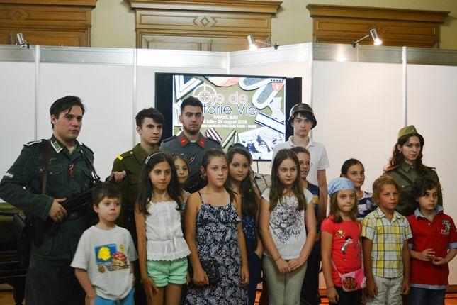 Participarea Asociației Redescoperă Istoria la Școala de Vară de la Palatul Suțu (11 iulie 2015)