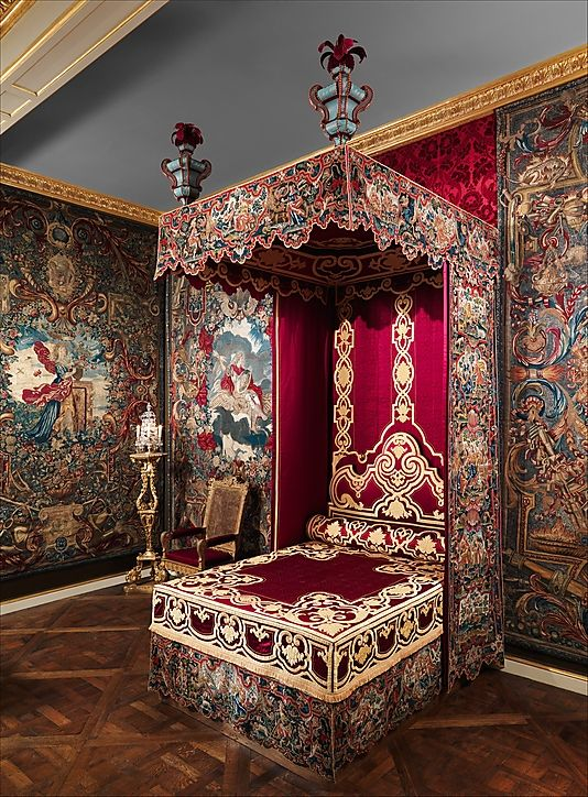 Early 18th century French bed at the Metropolitan Museum of Art, New York