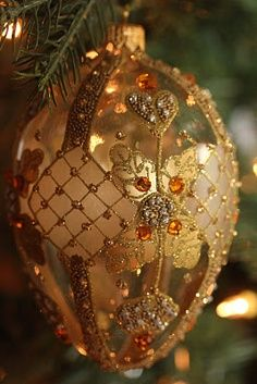 I have these ornaments... they're from Joan Rivers on QVC... I got they a few yrs. ago