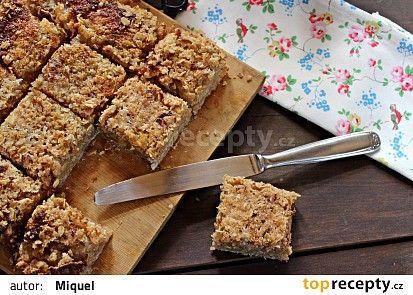 Jablečný koláč s ovesnými vločkami recept - TopRecepty.cz