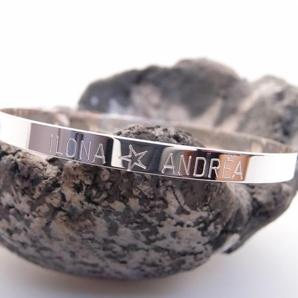 Bracelet jonc argent personnalisé gravé. Fermoir réglable 3 positions.