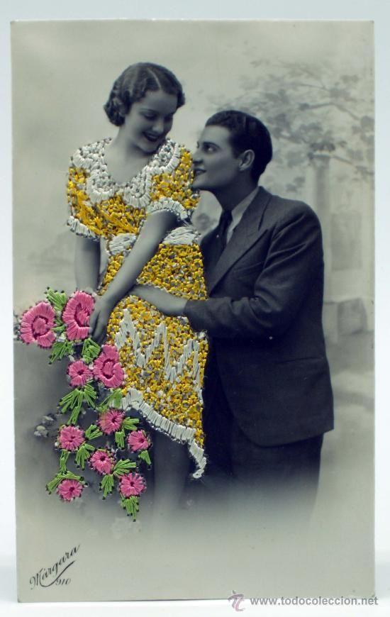 Postal bordada mano romántica pareja Ed Márgara años 40 escrita 1945