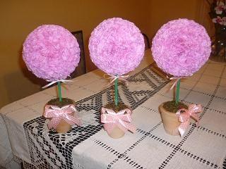 Topiario con flores de papel de seda