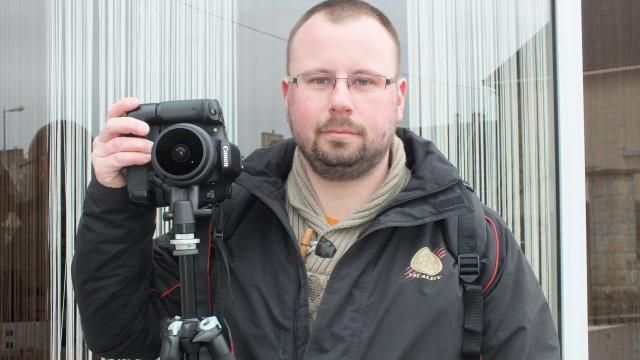 Bertrand Vivien, photographe professionnel, est également correspondant local de presse. #numerique