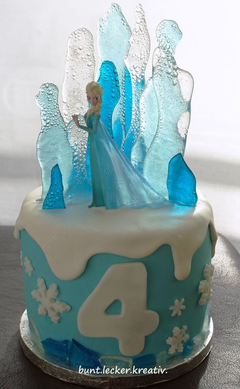 Elsa, die Eiskönigin als Torte ...Elsa from Frozen as a cake ...