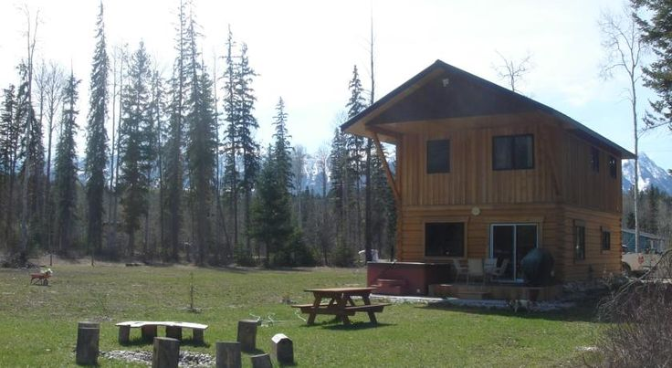 Kicking Horse Kabins Golden Surrounded by 6 national parks including Glacier Park, this Golden property features a hot tub. Free Wi-Fi and a full kitchen are provided. Golden town centre is 20 km away.  A cable TV and a spacious living area are offered at Kicking Horse Kabins.