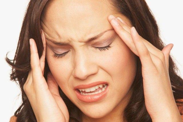 Trpíte bolesťami hlavy ? Vyhnite sa týmto jedlám