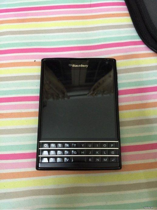 Bán Blackberry Passport  Đen