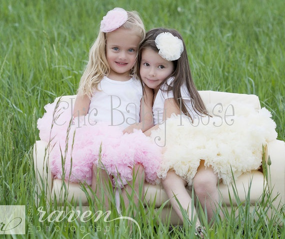 cute sister pose for my beautiful nieces!