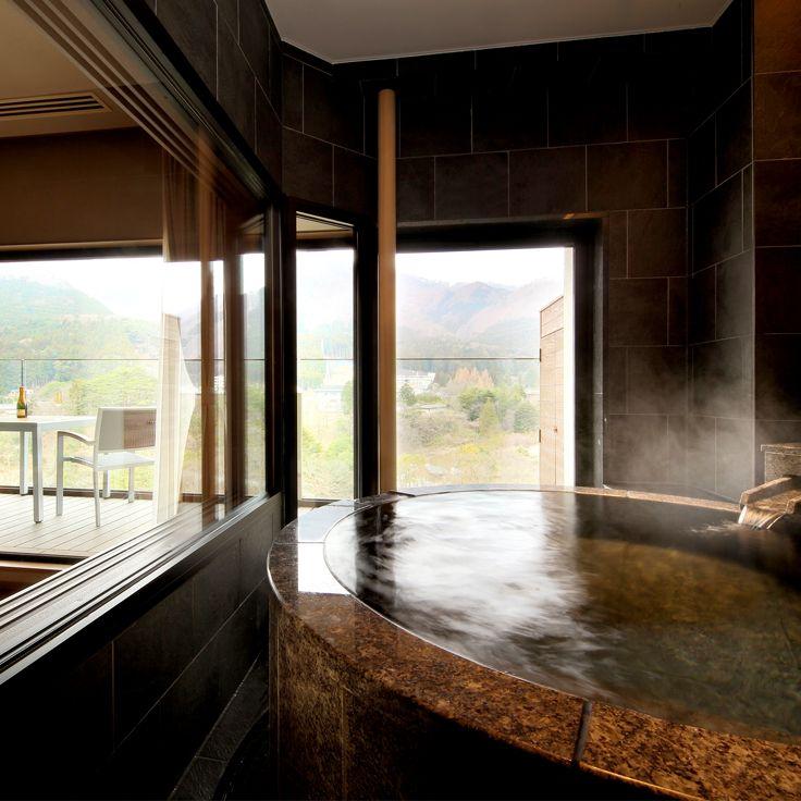 Club Floor John Kanaya Suite View Bath
