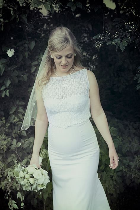 Vintage inspired Wedding Dress, Floral Lace with Daisies, Sheer Floral Veil, Beautiful Pregnant Bride, Romantic Wedding Dress by Ellen Aga, Photo by Julia Maria Naglestad
