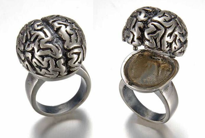 Peggy Skemp has a knack for turning things that are usually considered creepy into beautiful, detailed  jewelry. Anatomical hearts, mu...