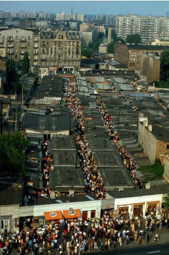 Bazar Różyckiego- lata 80-te. Fot. Chris Niedenthal
