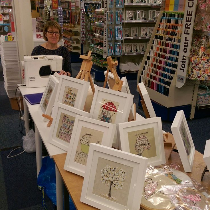 Had a wonderful day yesterday at Hobbycraft in Bridgemere Garden Centre near Nantwich, demonstrating my freemotion machine embroidery. Thank you to everyone who popped in to say hi and for all the orders and picture sales. I'll be back on 18th March.