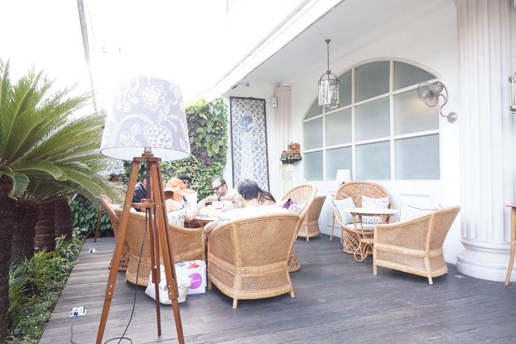 Batik Bali Restaurant and Bar  at Oberoi Bali design by ME and UMA architecture