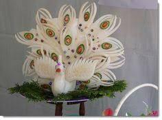 Resultado de imagen de peacock fruit carving