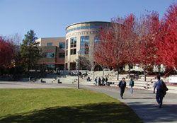 TRU Studenten und Campus   http://d1gns46gm3ntni.cloudfront.net/institutes/institute14450/1.jpg