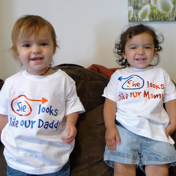 Twin shirts: She/He looks like our Mommy/Daddy - Choose ...