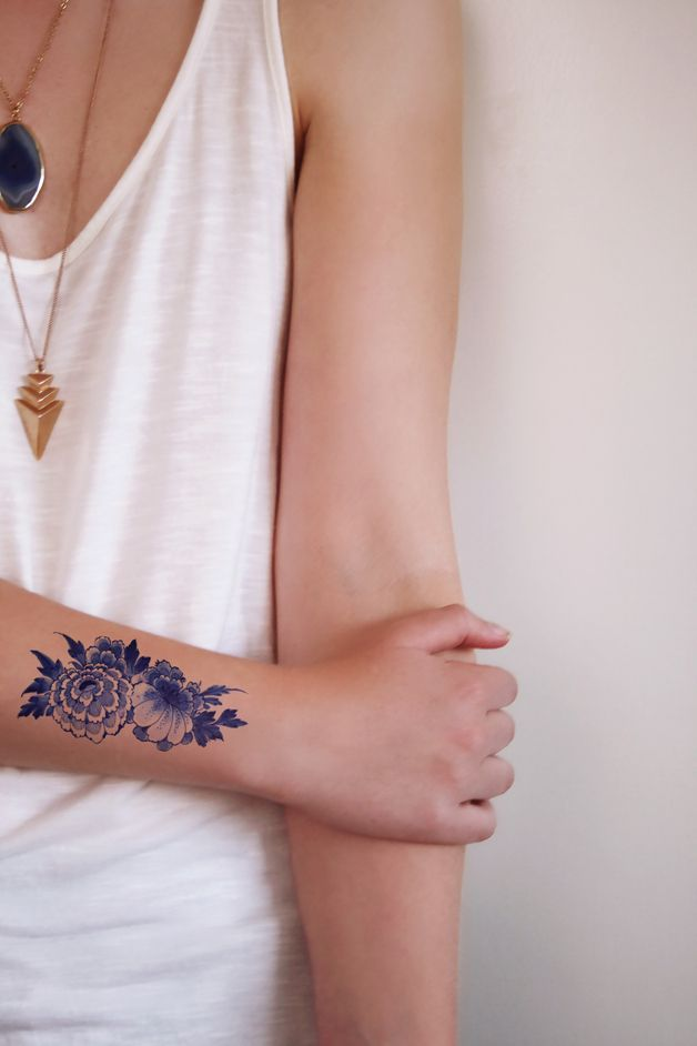 Other – Floral Dutch 'Delfts Blauw' temporary tattoo – a unique product by Tattoorary via en.DaWanda.com
