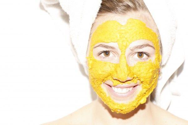 En etkili sivilce maskesi : Zerdeçal http://www.sagliklibesin.net/2014/11/en-etkili-sivilce-maskesi-zerdecal.html