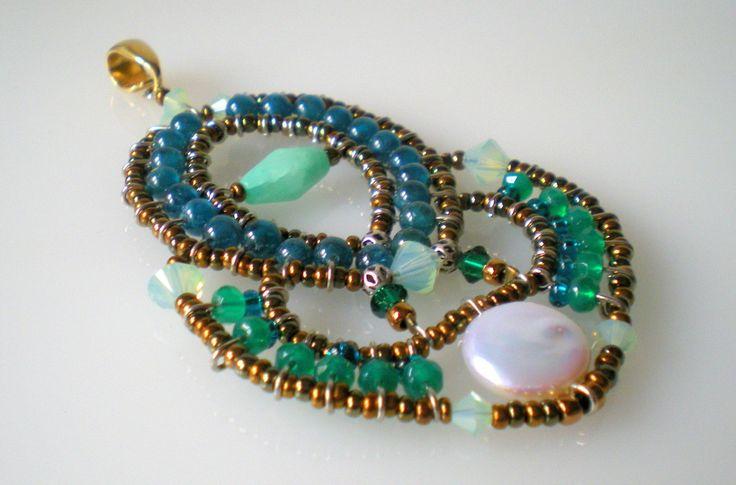 Cinzia Russo - Pendant with semi-precious gems.  Ciondolo ANTARES Agata verde